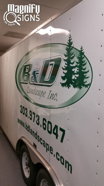 Denver Contractors: Get Noticed with Vinyl Lettering for Your Trailers!