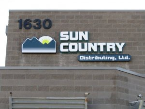 sun-country-sign