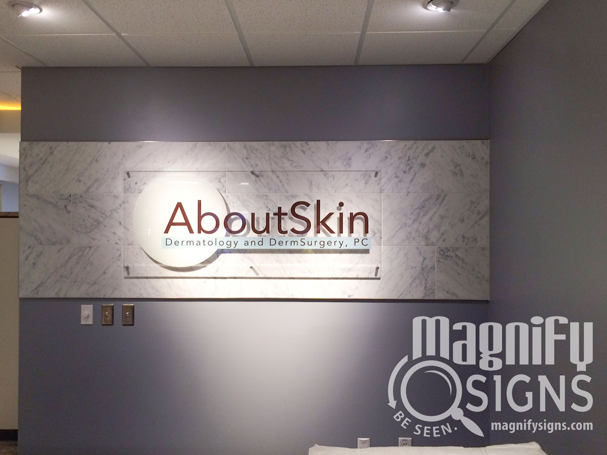 magnify-signs-medical-about-skin-lobby